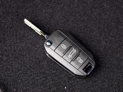 标致308s车钥匙